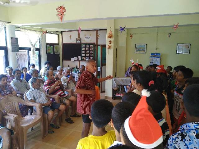 A Christmas Visit to the Home for the Aged at Bogmalo, Goa
